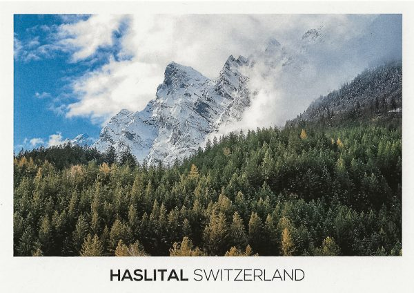 First snow in fall covers the Engelhörner mountains in Haslital.